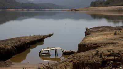 Water levels at the Atibainha dam, affecting São Paulo, are extremely low (Photo Credit BBC)